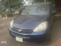 4 months used toyota sienna 2006 le buy n travel tincan cleared