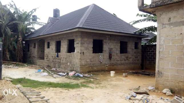 Distress sale! Uncompleted 3bedroom bungalow at new Rd off Ada George Port Harcourt - image 2