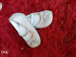 Monsoon silver shoes size 23 جزمه بناتي مون سوون مقاس ٢٣