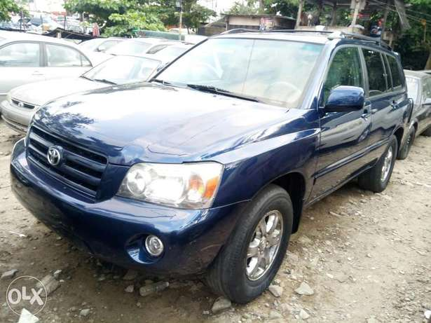 Fairly Used 2005 Toyota Highlander Leather For N1.9M Festac Town - image 2