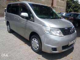 Nissan Serena 2008 model very clean for only 815K