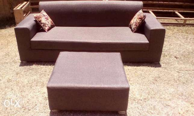 Tim Tim Box sofa/sofas/sofa Sets With Center Pouf Ugsh. 400,000/-only Kampala - image 6