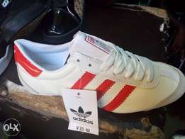 Unisex Adidas casual sneaker for sell from size 37-42 ..durable