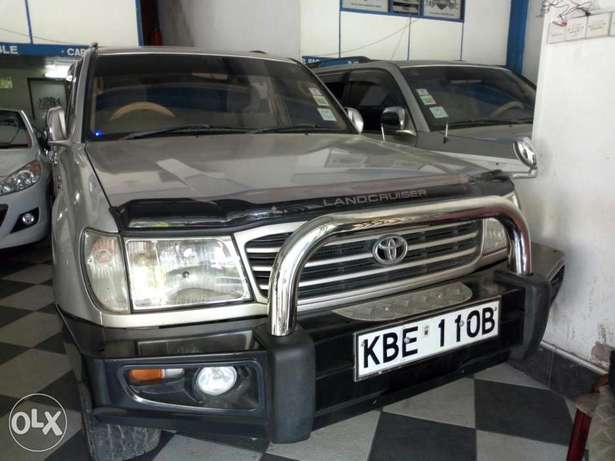 Very clean silver Toyota Land Cruiser KBE for sale at Mombasa Island Mombasa Island - image 1