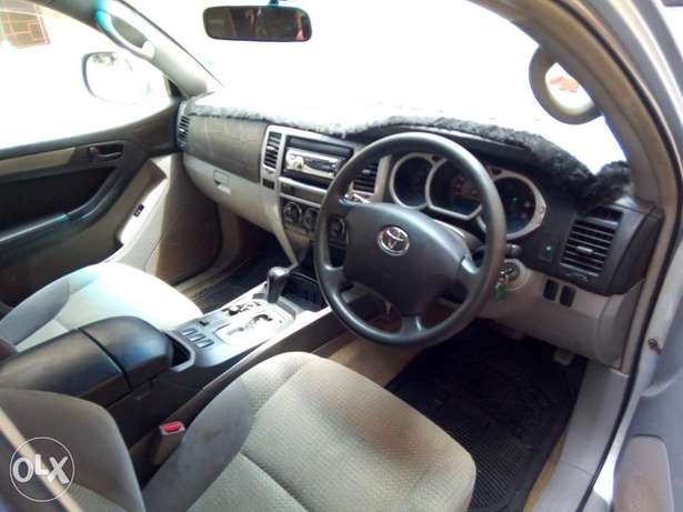 Clean and Well Maintained Toyota Hilux Surf 4WD SUV Mombasa Island - image 5