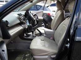 7 seater Toyota vanguard super clean