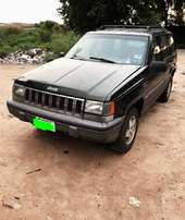 A complete first body 2003 CHEROKEE JEEP auto gear for sales