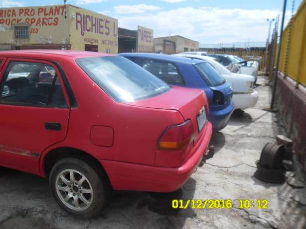 Toyota corolla AE100 stripping for spares Roodepoort - image 3