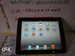 Apple iPad1, 64GB, Wi-Fi + 3G, 9.7in - Silver, neatly used and like ne