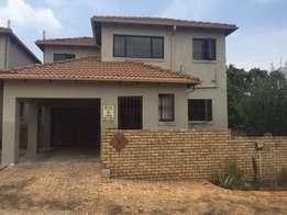Lovely 3 Bedroom house to SHARE