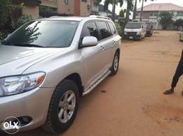 Hot Deal... 2009 Highlander, Very sharp and clean , everything working