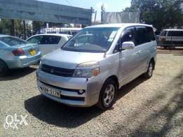 Toyota Voxy Accident free,with no dent original paint