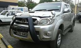 2009 Toyota hillux KCG diesel manual with abig deal