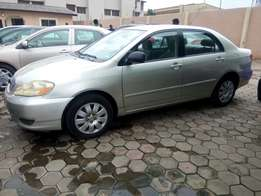 Neatly used Toyota corolla 2004