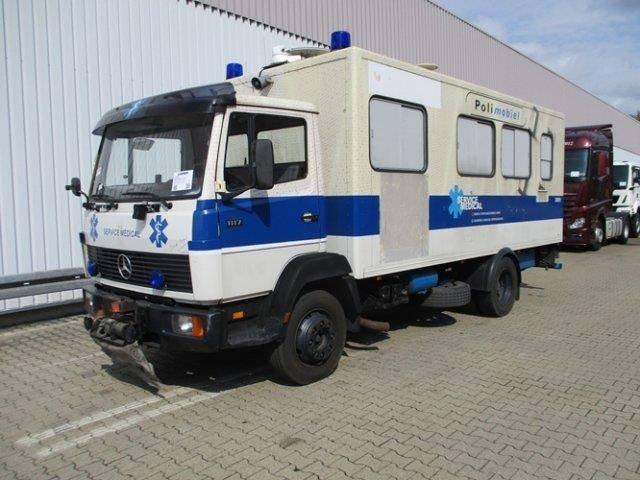 Mercedes-Benz L 1117 4x2 L 1117 4x2 Krankenwagen - 1988