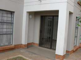 Ground floor townhouse to let-Jansenpark,Boksburg