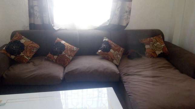 Sofa set Gilgil - image 2