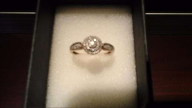 9ct yellow gold Cluster Diamond ring for sale Pretoria East - image 1