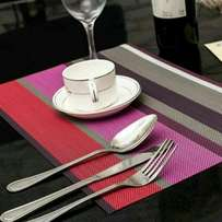 6 pcs table mat with a runner