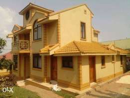 5bedroomed house in bweyogerere at 290m on 18decimals mailo land
