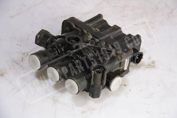 Wabco pneumatic valve for truck