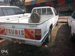 Mitsubishi l200 local pickup kbb diesel 980k