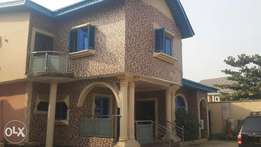 Single room self contain to let at (zone B) alogba estate ebutte road