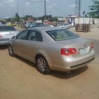 A slick, clean n neatly used 2006 Volks Jetta, v4, leather, ac, cd,