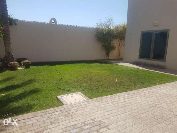 Beautiful 4 bedroom villa for rent with inclusive ( hamala)