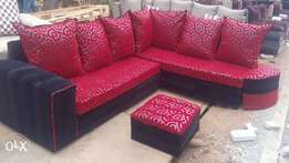 Classy Black & Red 7 seater and free delivery