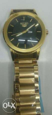 Seiko 5 gents watches in gold and silver bracelet,at 4500ksh. Nairobi CBD - image 1