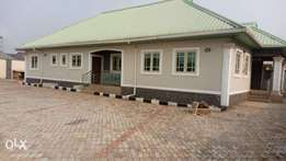 An all in suite 3bedroom bungalow with Nice Finishing,at Benin-City.