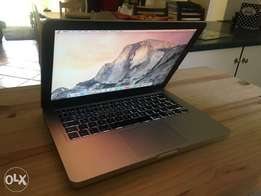 "13"" Macbook Pro with 1 terrabyte hdd in excellent condition!"