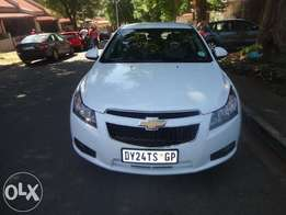 Used 2011 Chevrolet Cruze 1.6 L, manual, petrol available