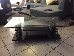Coffee Table - Tempered glass & Black wood