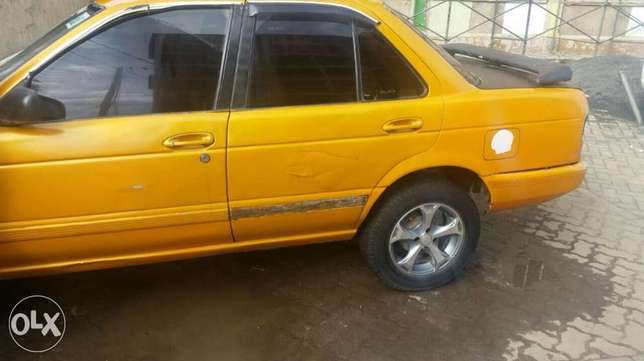 Nissan b13 1300cc fully running car body work only needed new tires Pangani - image 1