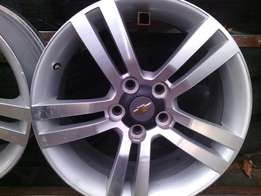18 inch rims for Chevrolet on special set of 4 rims.looks new