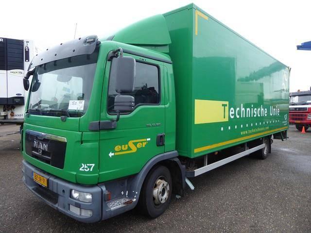 MAN 12.180 4X2 BL Motor kaputt - 2011