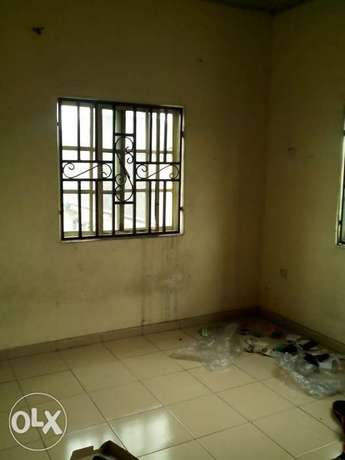 Standard 1 Bedroom Flat To Let At Rumuodara Portharcourt. Port-Harcourt - image 4