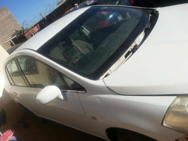Nissan tida stripping for spares or for sale as is Kimdustria - image 1