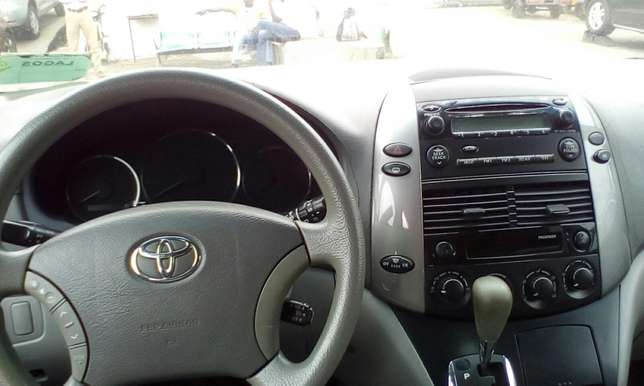 2007 Toyota Sienna Toks For Sale!!! Lagos Mainland - image 8