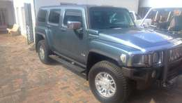 Hummer H3 automatic 3.7 petrol R249500