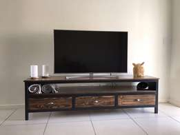 TV Units Custom Made