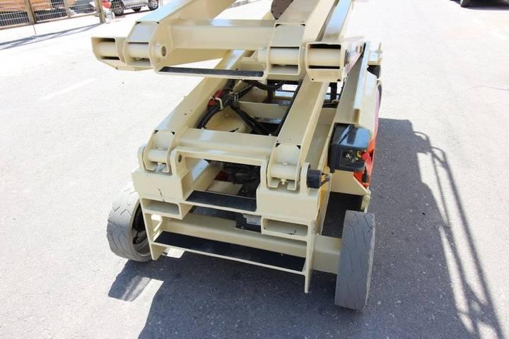 JLG 3246 Es - 2005 - image 16