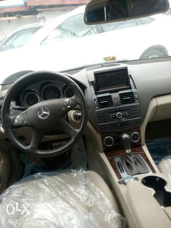 Mercedes-Benz C300 201 model direct tokunbo Ikeja - image 7