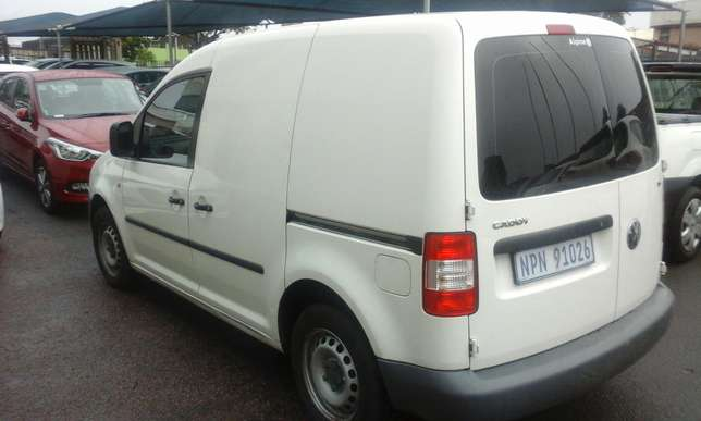 2009 VW Caddy 1.6 with a/c Phoenix - image 2