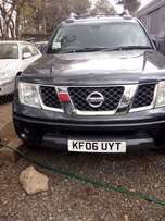 Nissan Navara, 2500cc diesel, year 2006, black colour, leather interio