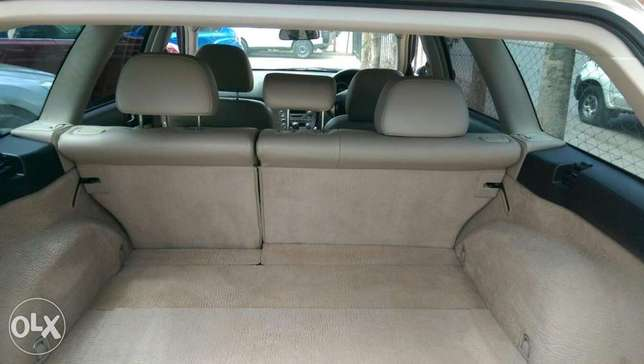 Subaru Outback leather Mombasa Island - image 3