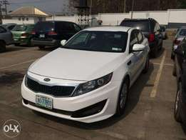 Very neat buy and drive KIA OPTIMA 2011