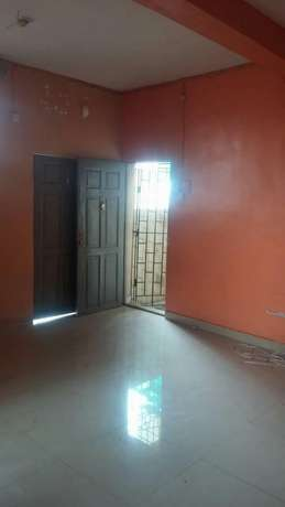 2 bedroom flat upstairs at itire rd by falolu junction, 650k 1y Surulere - image 7